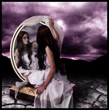 La vita è come uno specchio: ti sorride se la guardi sorridendo.
