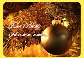 Natale è tutto ciò che noi desideriamo! Perchè i tuoi desideri possano realizzarsi sempre, ti auguro un Natale pieno di sogni e felicità.